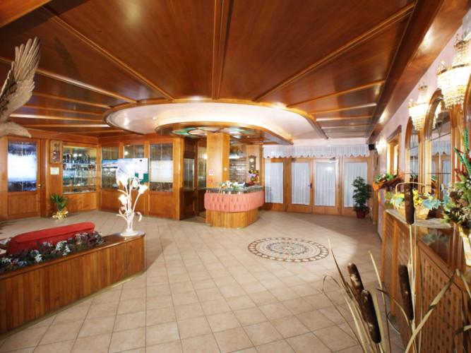 ADLER  HOTEL       (ANDALO)   (TN)
