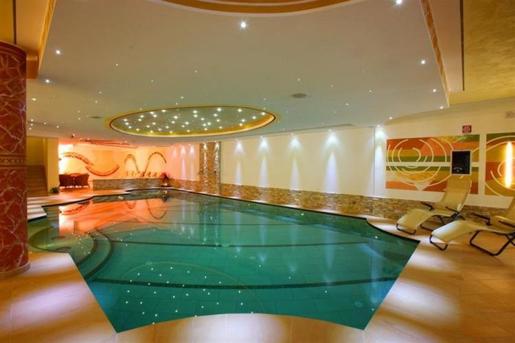 HOTEL  MAJORKA    (ANDALO)   (TN)