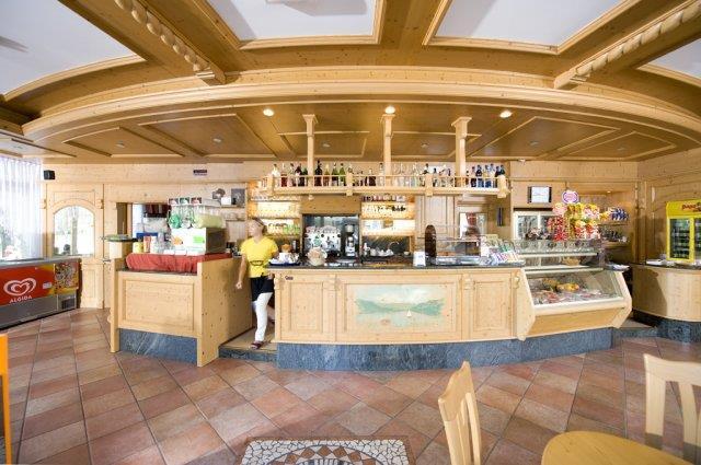 HOTEL  GARNI'  BELLAVISTA        (CALDONAZZO)  (TN)