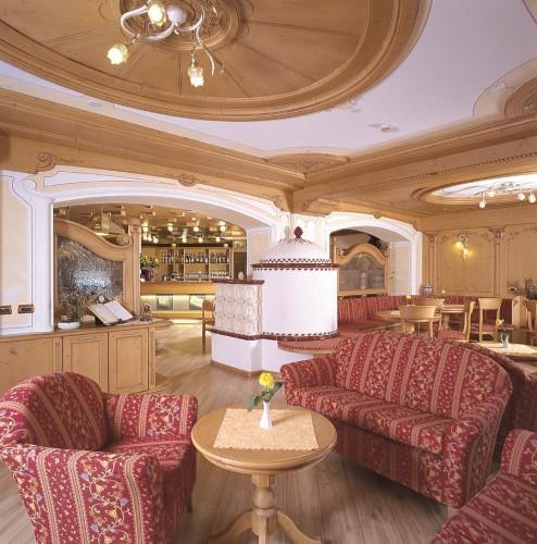 HOTEL  CREPES  DE  SELA             (CAMPITELLO DI FASSA)  (TN)