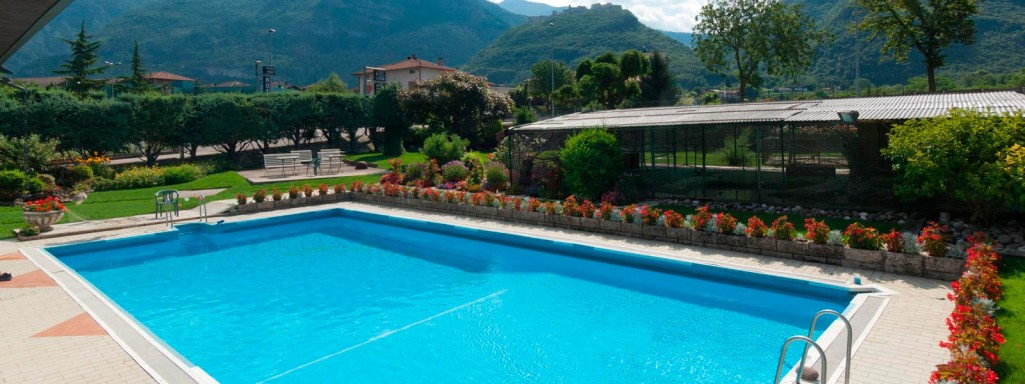 VILLAGGIO  HOTEL  AQUILA         (CALLIANO)  (TN)