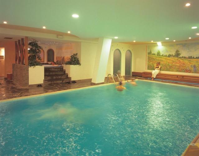 Beauty & Vital  MARIA HOTEL                      (CARANO)  (TN)