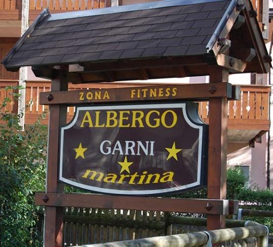 ALBERGO GARNI' MARTINA                                               (CARISOLO)  (TN)