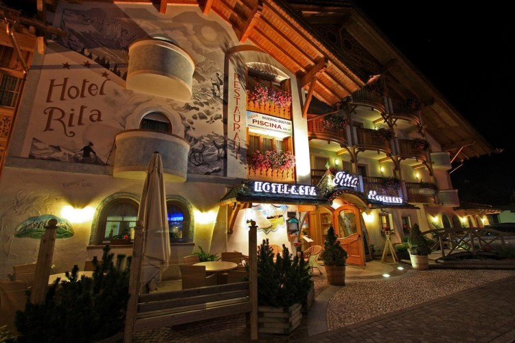 HOTEL  RITA  & SPA       (CANAZEI)  (TN)