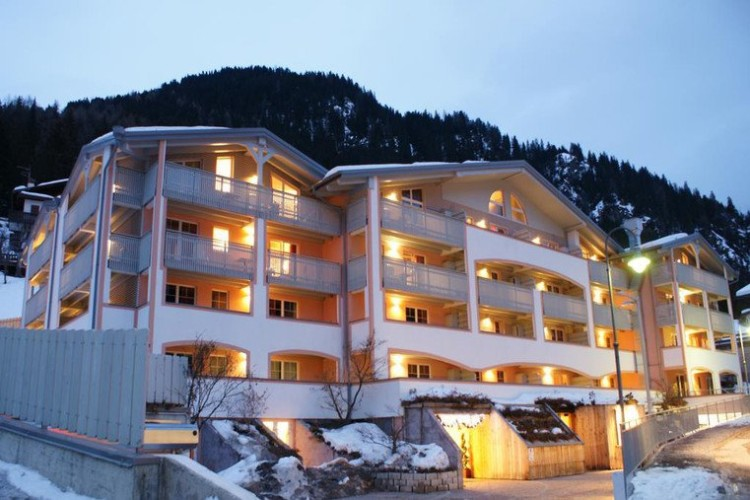 HOTEL  AL  SOLE           (FIAVE')  (TN)