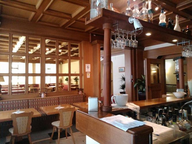 PARK HOTEL MIRAMONTI         (FOLGARIA)   (TN)