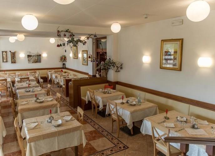 HOTEL  ANTICA ROSA                                                    (LEVICO TERME)   (TN)