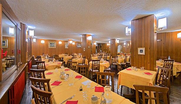 HOTEL  DELLA  TORRE                                                                                                    (FOLGARIDA) (TN)