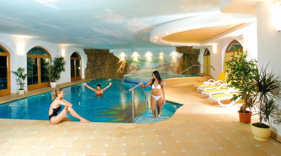 HOTEL FIOR DI BOSCO                                                                (GIOVO) (TN)