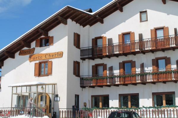 HOTEL  FORTE  CHERLE                                                                                     (FOLGARIA) (TN)