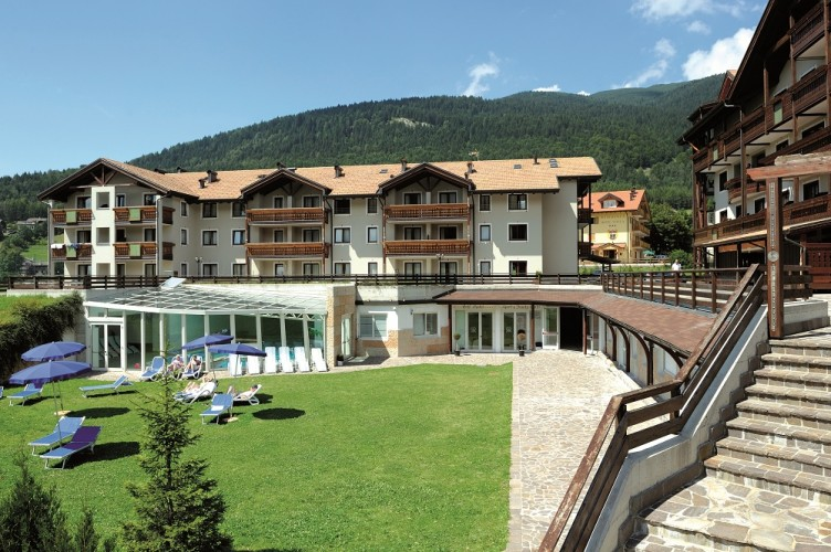 GOLF HOTEL   BLU HOTELS                                                                      (FOLGARIA) (TN)