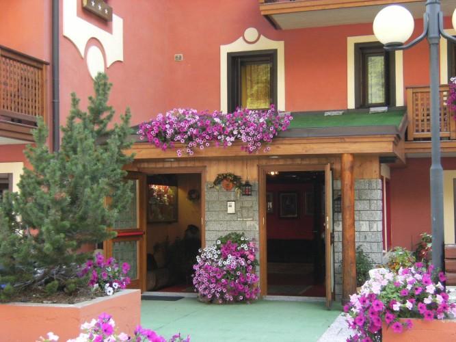 HOTEL  GRAN  BAITA                                                                                                           (FOLGARIDA) (TN)
