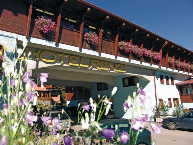 HOTEL  RENZI                                                                                                                       (FOLGARIDA) (TN)