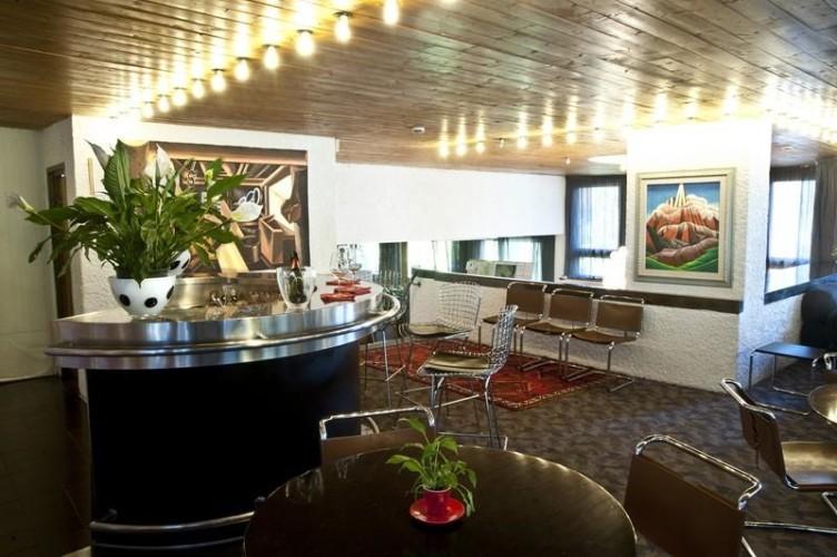 HOTEL  GRIFONE                 (MADONNA DI CAMPIGLIO)   (TN)