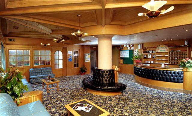 SPORTING  HOTEL  RAVELLI           (MARILLEVA)   (TN)