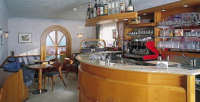 HOTEL VILLA  EMMA                                                        (MADONNA DI CAMPIGLIO)  (TN)