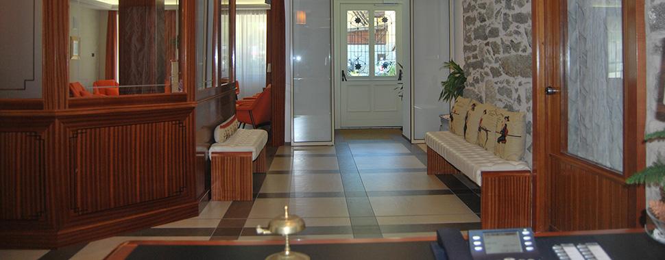 HOTEL VILLA MADONNA         (MADONNA DI CAMPIGLIO)  (TN)