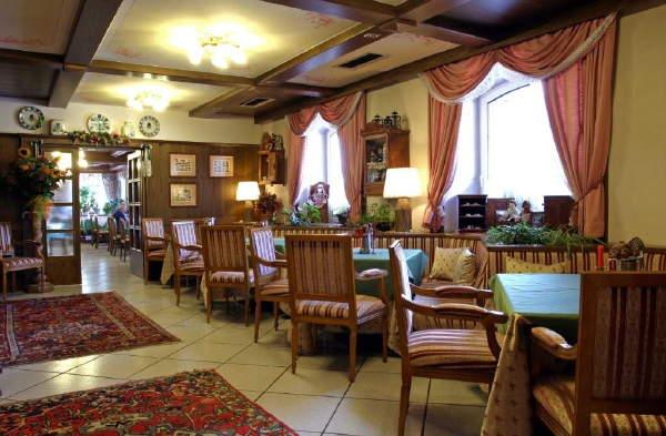 PARK  HOTEL  BELVEDERE               (MOENA)    (TN)