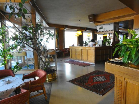 HOTEL  DEVILLE        (MOENA)  (TN)