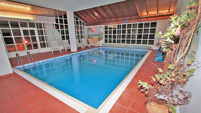 HOTEL REGINA  DELLE  DOLOMITI                  (PANCHIA')   (TN)