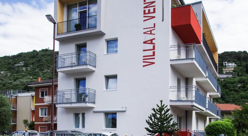 HOTEL  VILLA  AL  VENTO                     (NAGO - TORBOLE)   (TN)
