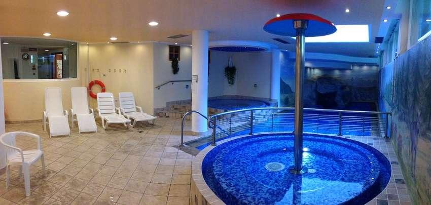 HOTEL  CRISTINA                             (PINZOLO) (TN)