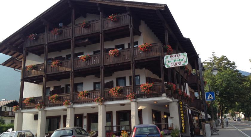 HOTEL GARNI' LA PALU'            (PINZOLO)  (TN)