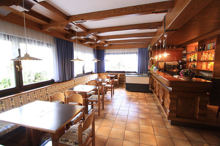 HOTEL  MARY                      (POZZA DI FASSA)  (TN)