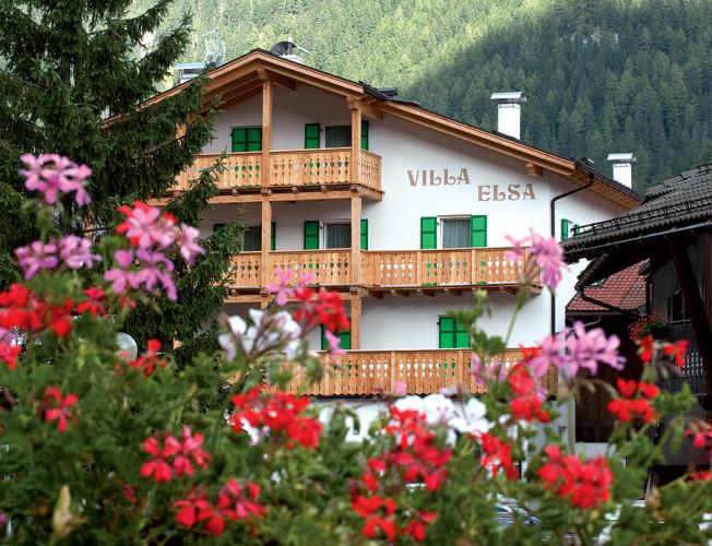 HOTEL GARNI' VILLA ELSA                   (POZZA DI FASSA)  (TN)