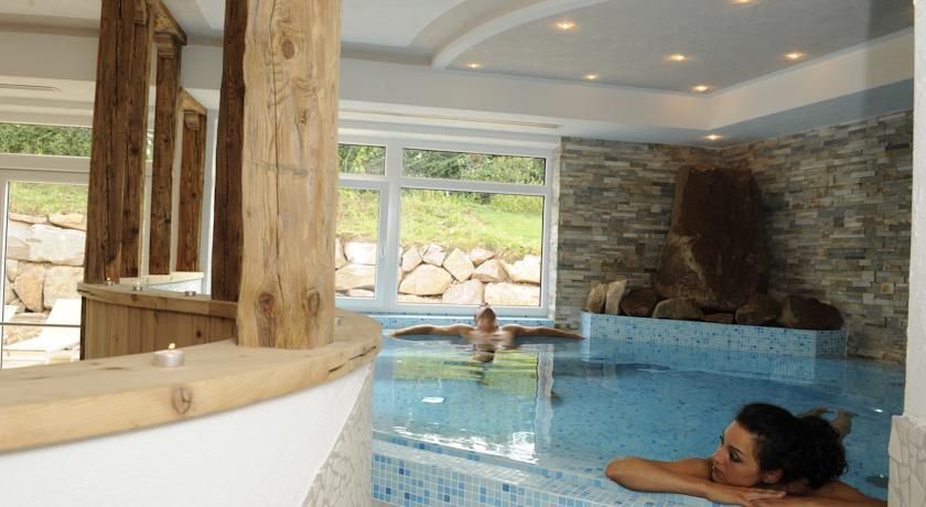 HOTEL CASEZ - RISTORANTE  FIOR DI MELO                         (SANZENO)  (TN)