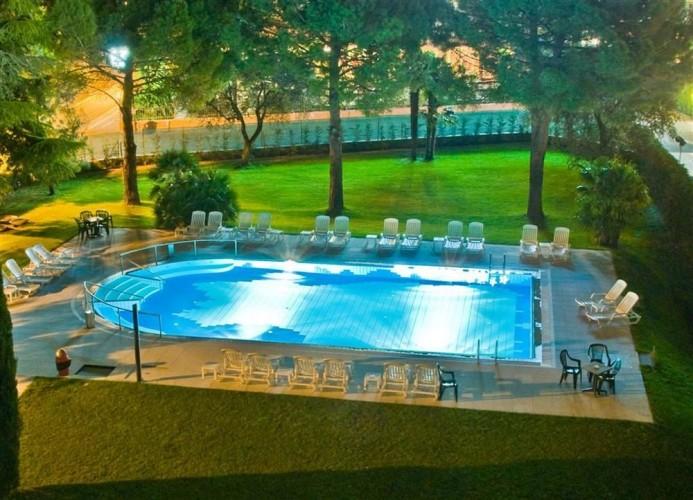 HOTEL GARDESANA             (RIVA DEL GARDA) (TN)