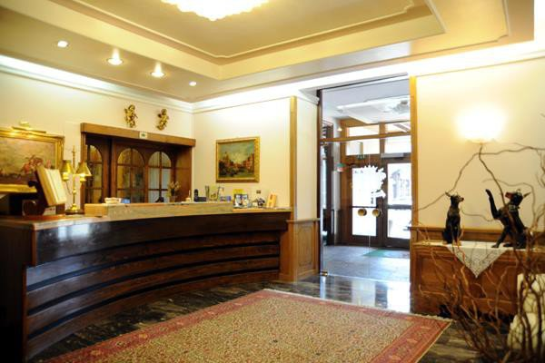 GRAND HOTEL DES ALPES             (SAN MARTINO DI CASTROZZA) (TN)