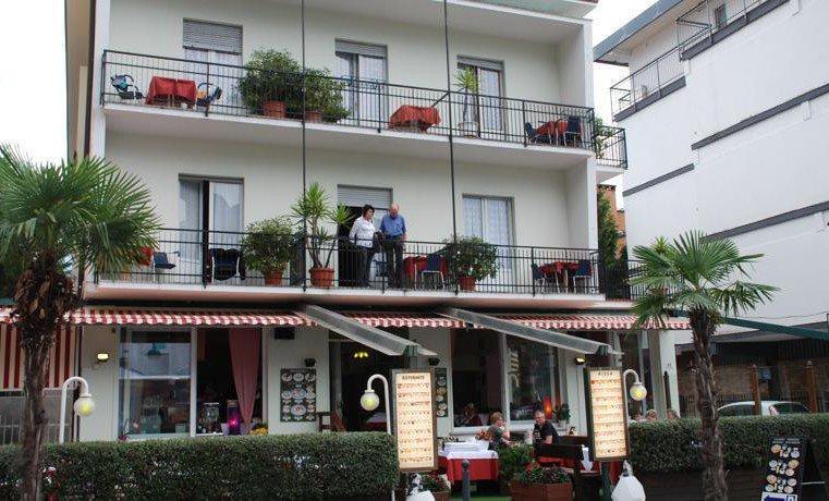 HOTEL  RISTORANTE  RIALTO                  (RIVA DEL GARDA)   (TN)