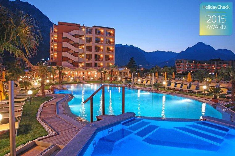Hotel savoy palace riva del garda tn hotel del trentino - Hotel con piscina coperta riva del garda ...