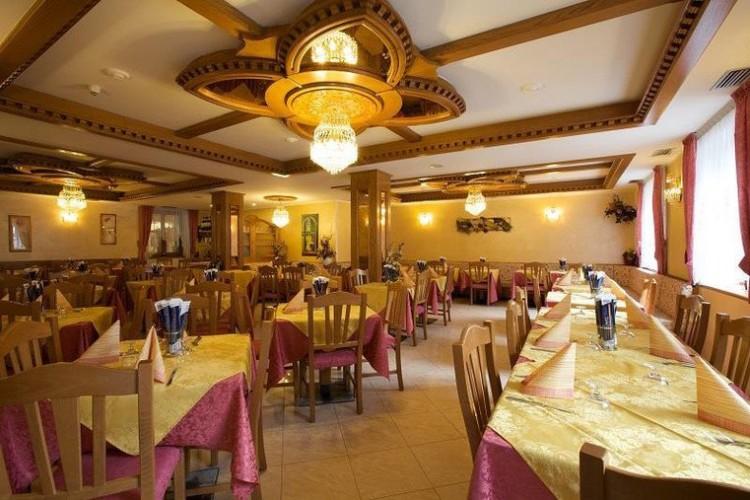 HOTEL AL SOLE           (TIONE DI TRENTO)  (TN)