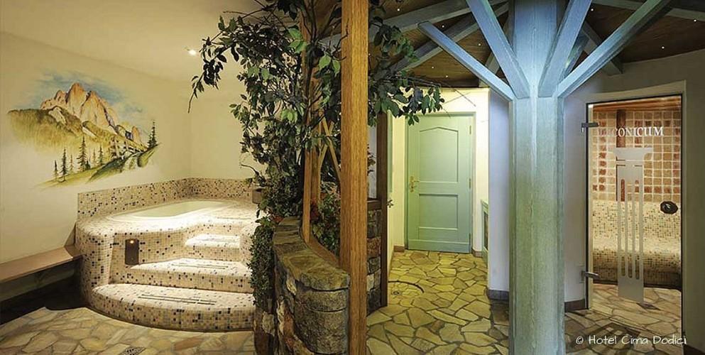 HOTEL CIMA DODICI       (VIGO DI FASSA)  (TN)