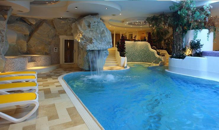ALPEN  HOTEL  CORONA           (VIGO DI FASSA)  (TN)