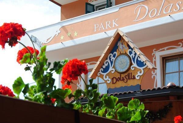 DOLASILLA PARK HOTEL          (VIGO DI FASSA)  (TN)