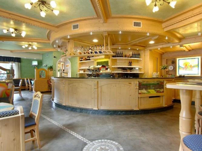 HOTEL RISTORANTE DOLOMITI   (TIONE DI TRENTO)  (TN)