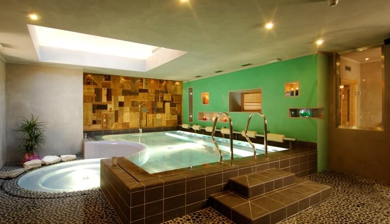 HOTEL  ISOLABELLA      (TRANSACQUA-FIERA DI PRIMIERO)  (TN)