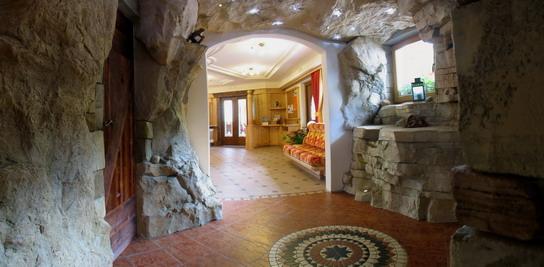 HOTEL LA GROTTA        (VIGO DI FASSA)  (TN)