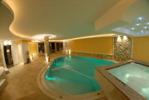 HOTEL SONNE SOLE                (VIGO DI FASSA)  (TN)