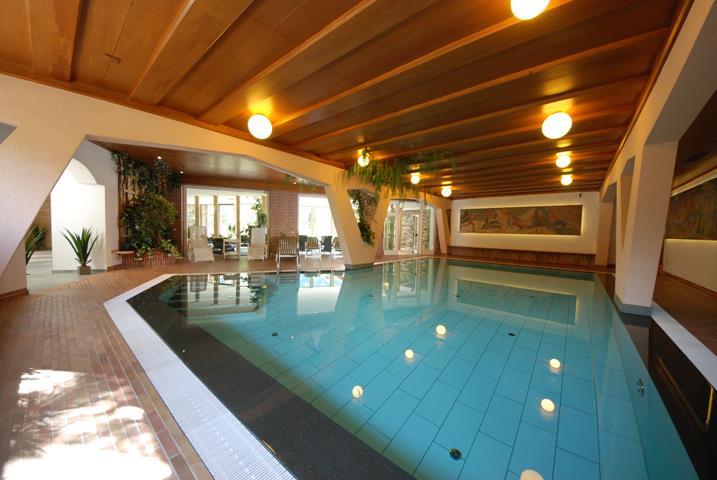 HOTEL  GRAN  PARADIS    (CAMPITELLO DI FASSA)  (TN)