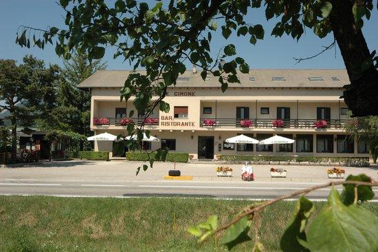 HOTEL  MONTE  CIMONE        (CALDONAZZO)  (TN)
