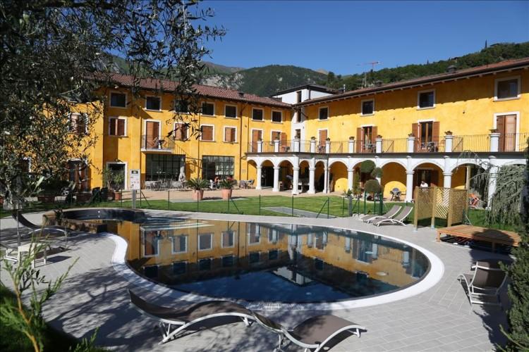 HOTEL GARNI' AL FRANTOIO   (ARCO)   (TN)