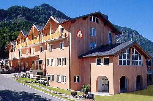 HOTEL  PAOLI            (CALDONAZZO)  (TN)