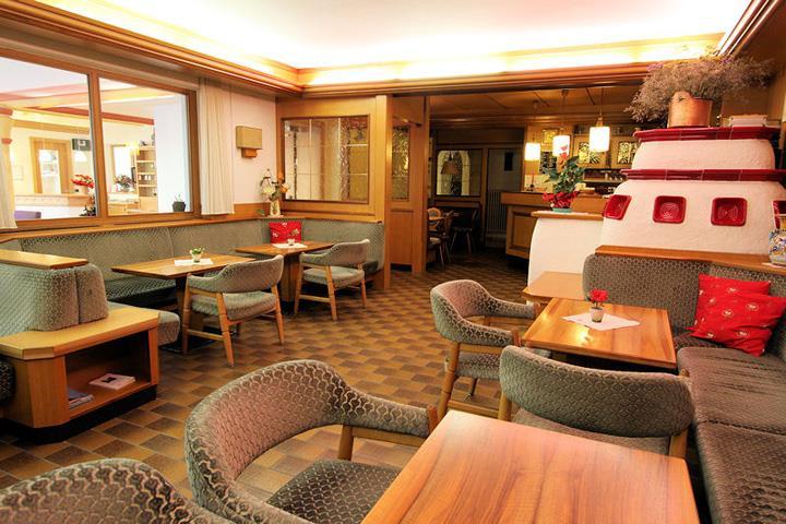 HOTEL  PRIMULA       (CAMPITELLO DI FASSA)   (TN)