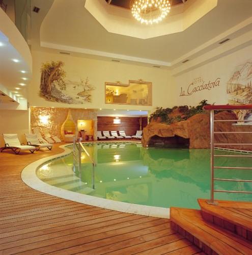 HOTEL LA CACCIATORA  (ALBA DI CANAZEI)  (TN)