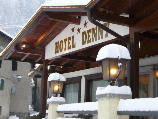 HOTEL  DENNY                 (CARISOLO)  (TN)