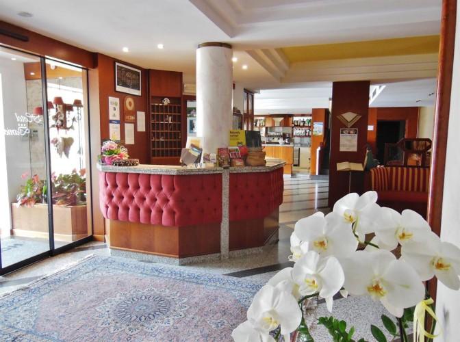 HOTEL  DANIELA                                                                              (LEVICO TERME)  (TN)